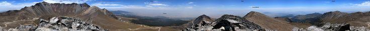 Panorámica de 360° desde la cima del Pico Humboldt del Nevado de Toluca. Se aprecian el Pico del Fraile a la izquierda y el Pico del Águila ...