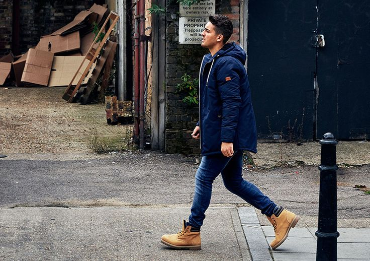 Yo Preston for #GoForGreat campaign ORIGINALS by JACK & JONES Keep it simple: boots, jeans, blue parka jacket.