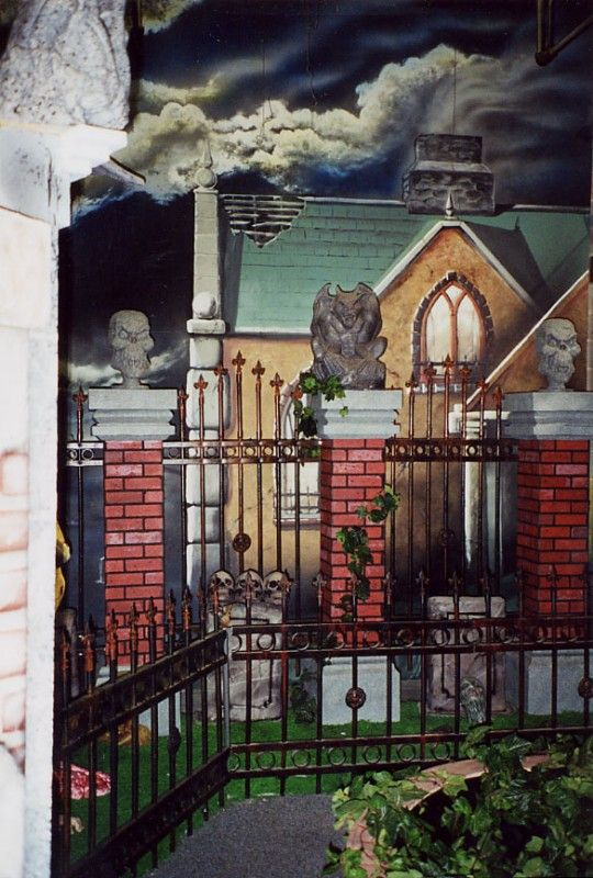302 best haunted house diy ideas images on pinterest halloween stuff halloween ideas and halloween prop - Decorate House For Halloween