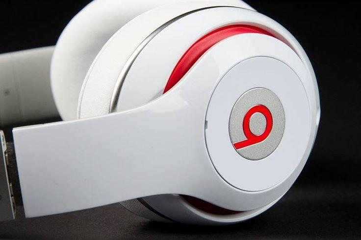 eMAG are reduceri foarte bune la castile Beats in ultima zi a campaniei Stock Busters, accesoriile companiei Apple fiind la mare cautare in randul clientilor.