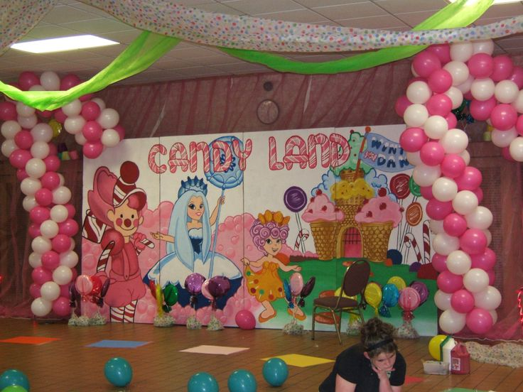 25 best ideas about school dance decorations on pinterest Valentine stage decorations