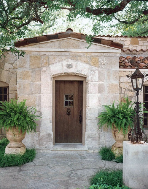 Ivy Clad: Small House - Grand Style