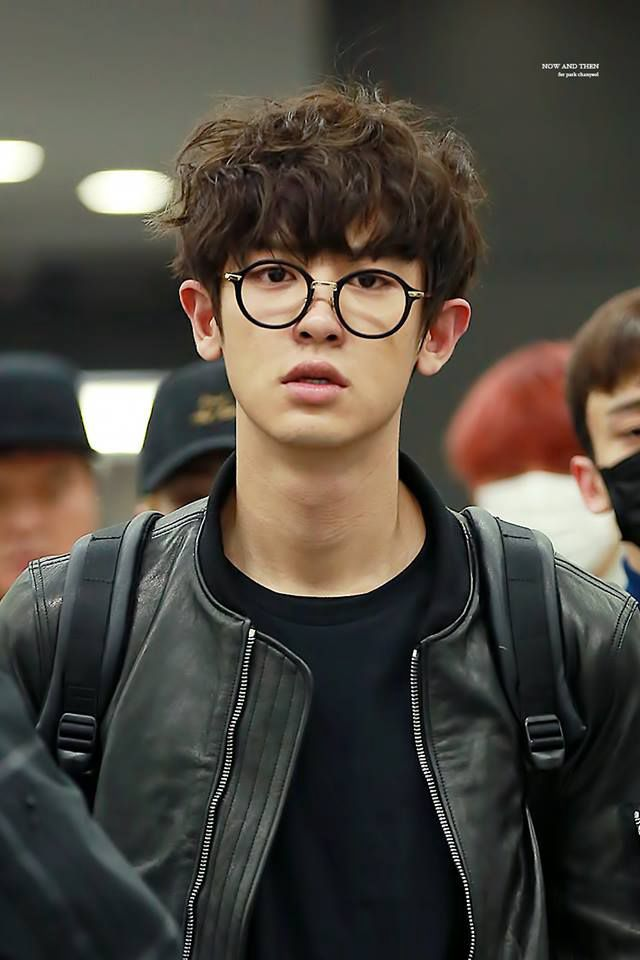 pcy with curly hair + glasses will be my favorite look on him