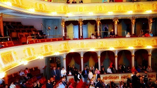 WAITING IN THE WINGS. NOËL COWARD. New post. Review. Use active google translate button.