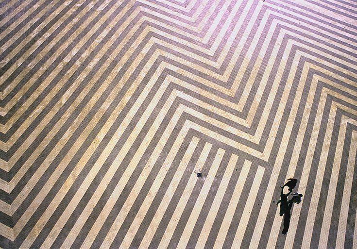 jun kaneko | liquid order, 1995 (brick paver). #splendideveryday