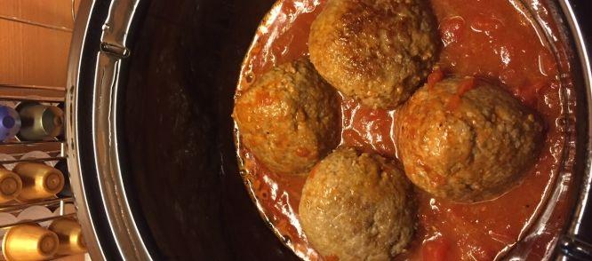 Crockballs, De Lekkerste Gehaktbal Uit De Jus (slow Cooker Recept) recept | Smulweb.nl
