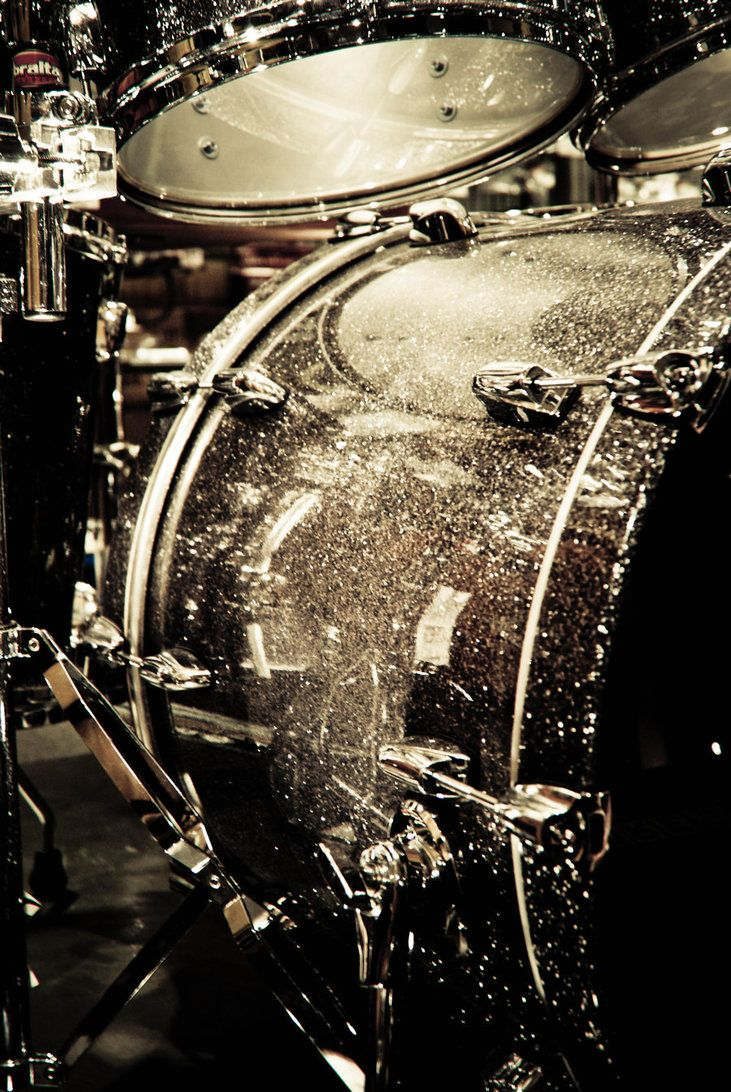 yes, it's a glittery drum kit...