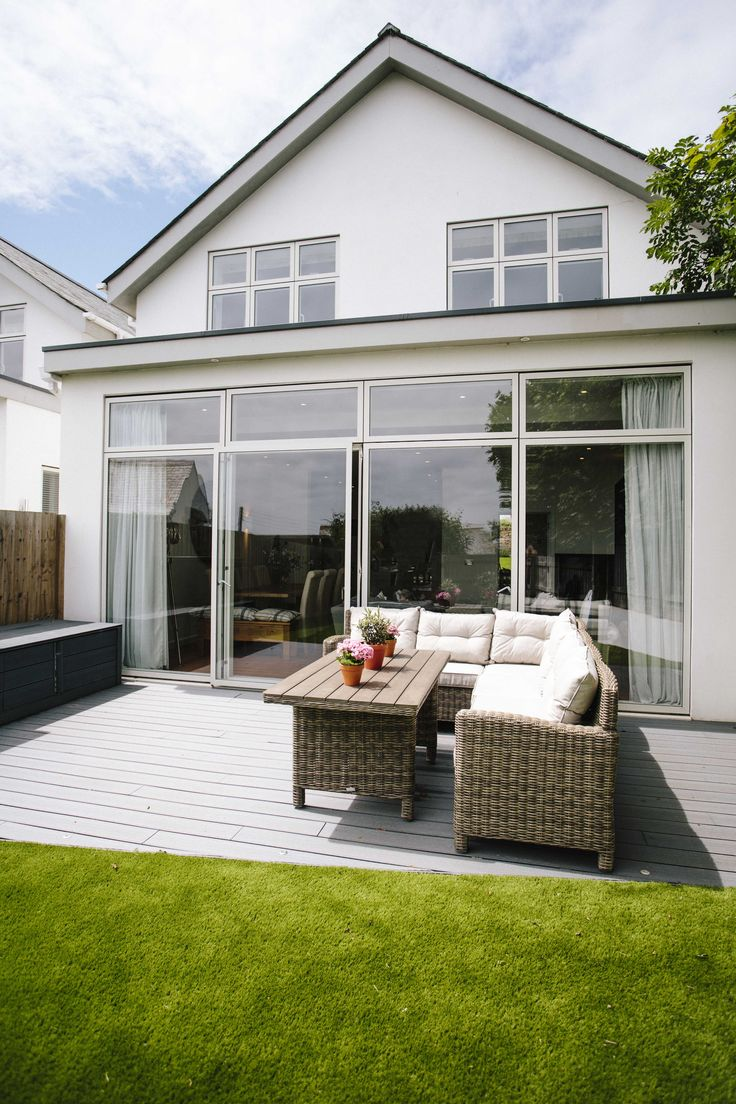 The spacious back garden at 1 The Sands, a self-catering holiday cottage in Polzeath, North Cornwall. Relax after a day on the beach and enjoy a spot of al fresco dining.