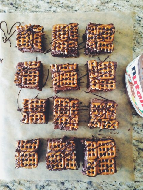 nutella pretzel brownies   doughing it right