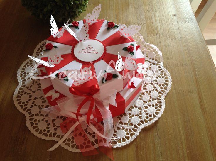 Hochzeitstorte 2-stöckig - ROT-WEISS mit Schmetterlingen