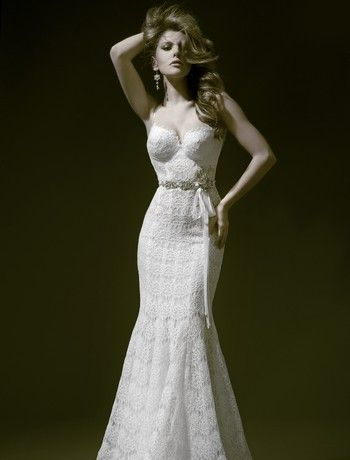 Pnina Tornai - Sweetheart Mermaid Gown in Lace. I want this to be my wedding dress!!