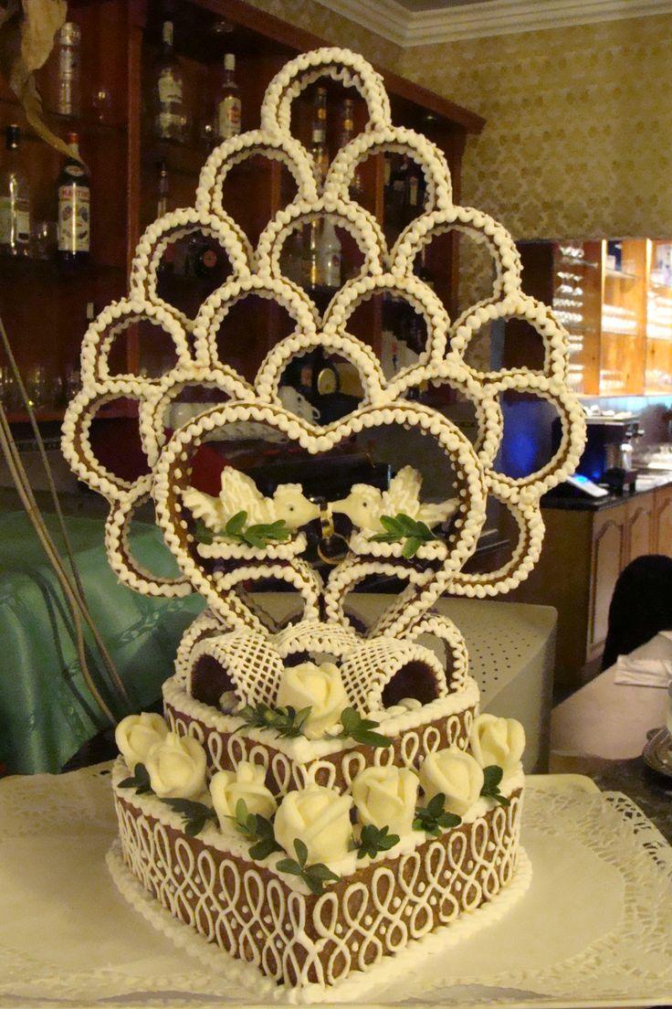 Annusunk grillázs-tortája.
