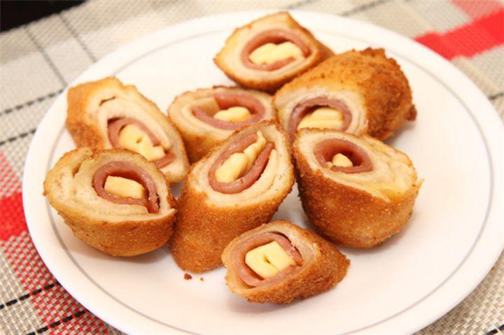 Daddy Cool!: Τραγανά ρολά με ψωμί του τόστ ζαμπόν και τυρί!