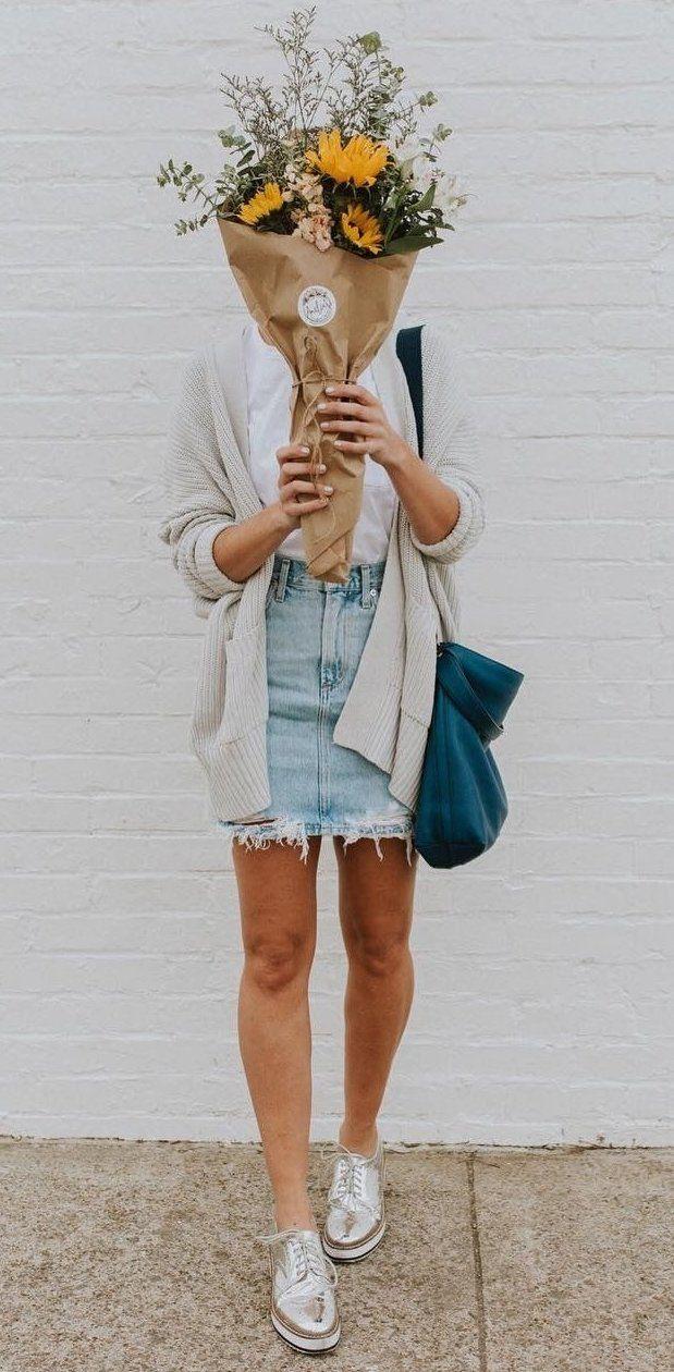 summer outfits Light Cardigan + Denim Skirt + Metallic Pumps