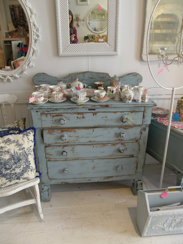 430 best images about chippy distressed shabby painted for Vintage bedroom furniture