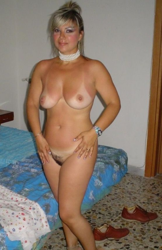 italiana young naked women pict