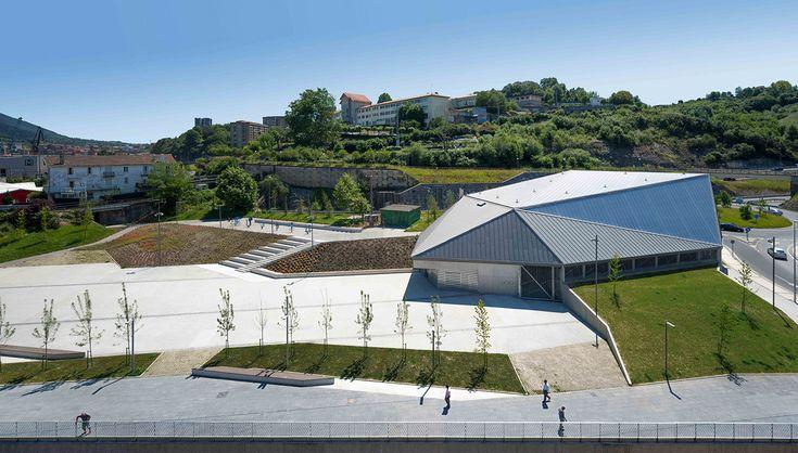Gallery of Park & Basque Pelota Court / Vaumm - 4