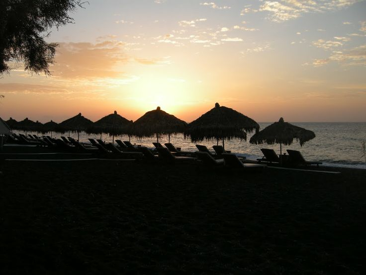 #Romantic_sunset at #Perivolos beach in #Santorini!