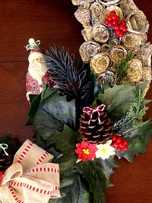 The Twisted Muse: A Classic Christmas Wreath and TutorialChristmas Wreaths, Vintage Christmas, Christmas Crafts, Christmas 2013, Classic Christmas, Christmas Toppers, Christmas Ideas