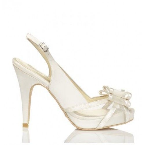 Fabiana de Menbur #LosZapatosDeTuBoda #ZapatosDeNovia #BridalShoes #WeddingShoes #Novia #Bride #Boda #Wedding #HechoEnEspaña #MadeInSpain #PeepToe #Menbur