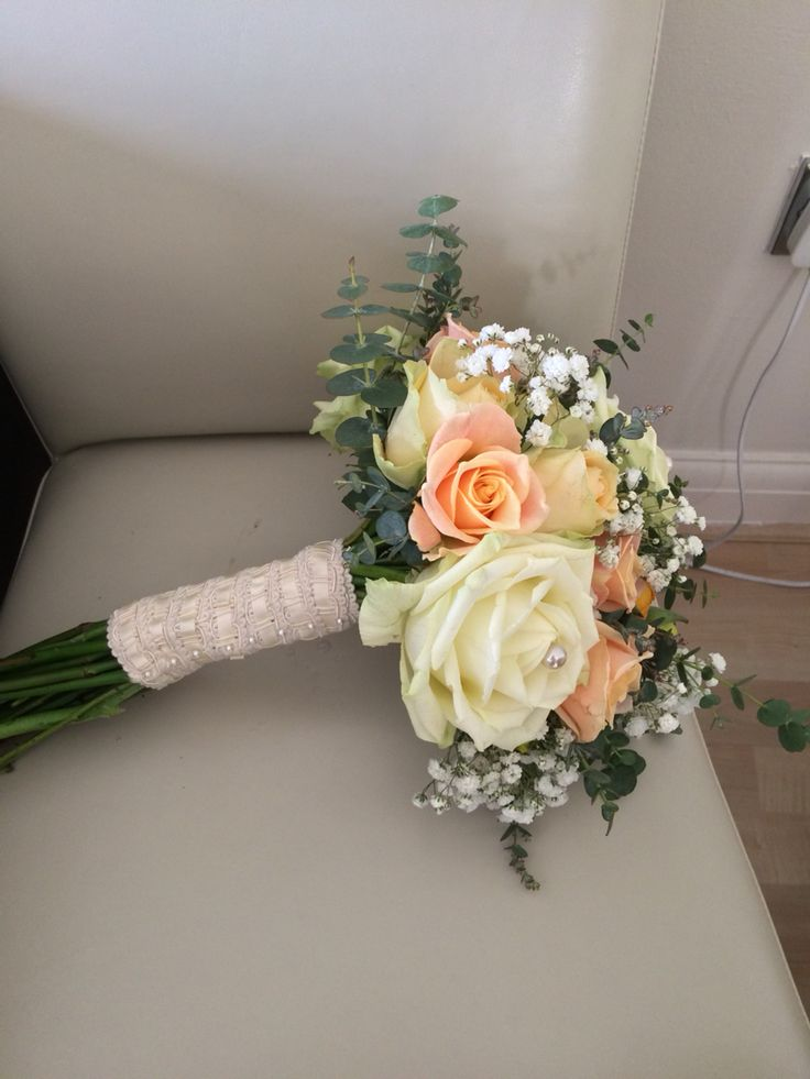 Bridal bouquet with detailed ribbon