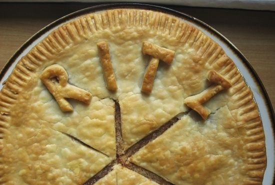 Using Ritz Crackers to Make Faux Apple Pie Filling! | 16 Tips From The Depression Era That Are Actually Life Hacks