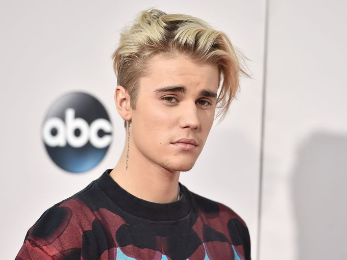 Justin Bieber Got a New Hair Cut and It Basically Looks Like Pubes ...