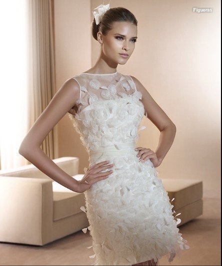 How much would I loooooove it if you got married in a feathered mini dress!!!  We could all do Austin Powers stylee - hehehehe: Wedding Dressses, Minis Dresses, Shorts Minis Length, Modest Wedding Dresses, Spring Wedding, Luxury Shorts Minis, Scoop Wedding Dresses, Dresses 2012, 2012 Spring