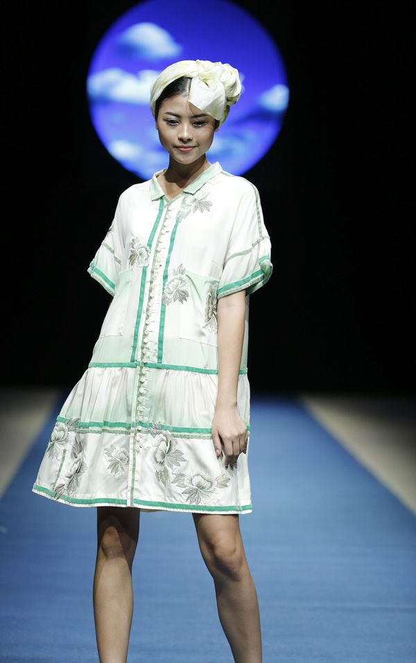 Vietnam Fashion Week SS18 - Ready To Wear.        Designer: Nhi Hoang   Photo: Cao Duy