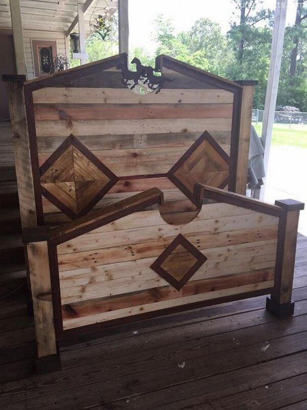 We are proudly going to present an awesome wood pallet creation. This wood pallets bed with a large-size headboard seems attractive and marvelous as shown in the picture given below. This is simple but attractive wood pallets bed created with reclaimed wood pallets and we have decorated this unique pallets bed by creating horses on its headboard.