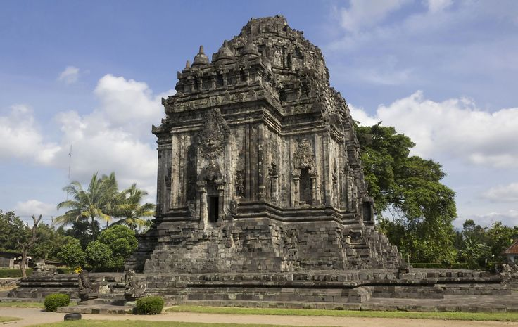 Kalasan Temple from the north-east, 23 November 2013 - Template:POTD/2015-08-17 - Wikipedia, the free encyclopedia