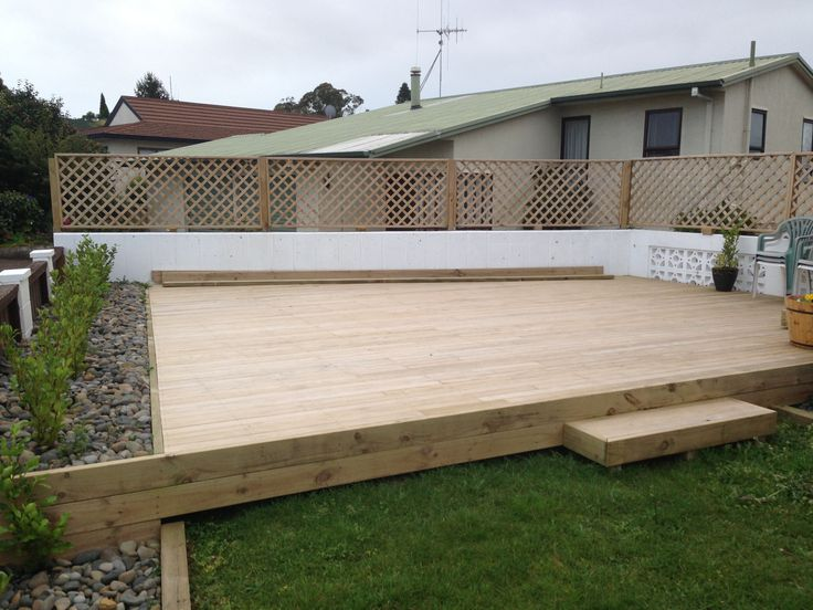 Not gonna claim the decking, i dug the post holes and helped nail it down. Big ups to my bro Dave for all the hard work...the beers were sweet afterwards bro ;) ....I did build the trellis fence though. Took ages!!!!!