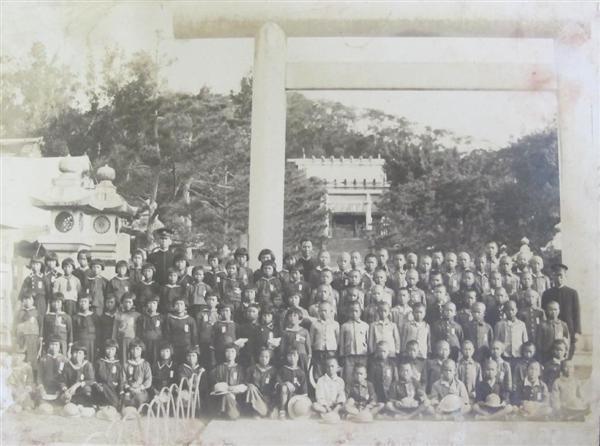 修学旅行生が訪れた台湾神社(現円山ホテル)