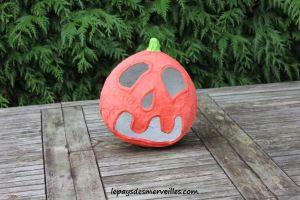 Bricolage Halloween Citrouille papier mâché (1)