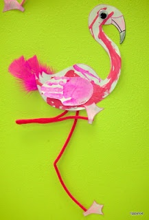 Feather painted flamingos teaching ideas craft for Flamingo feather paint