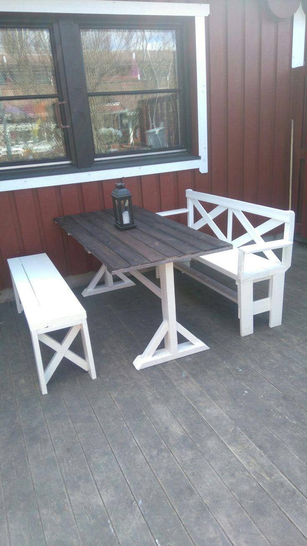 Byggde ett nytt trädgårdsbord av återanvänt virke
