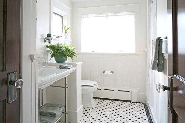 Zimmerpflanzen grün-Farne weißes Badezimmer-retro Stil