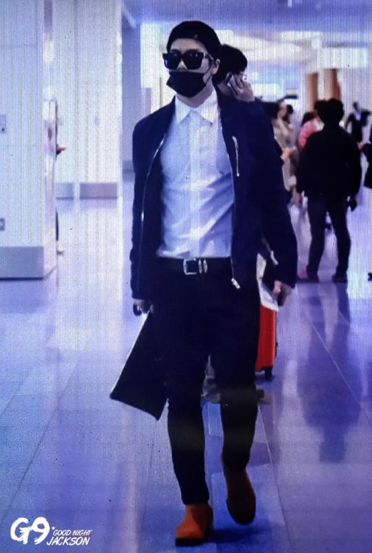 Mr. Jackson Wang everyone! I love his airport fashion ...
