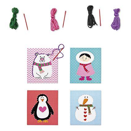 Gør-det-selv sykort kit - Send et hulkort til jul. Kan du hjælpe Tiger med at lave de her julekort færdige? Du skal bare sy kanter eller korssting på før du sender dem. Og selvfølgelig skrive en kærlig hilsen. Et sæt med fire eller seks hullede kort, garn og børnevenlig nål.  Kr. 20,- #tigerjul