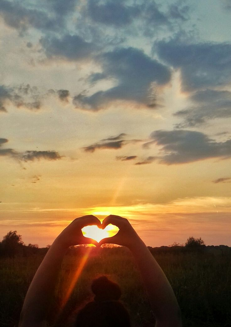 Sunset in heart  I'm in love with this photo #sunsetphoto #sunphoto #heart #photos #photography