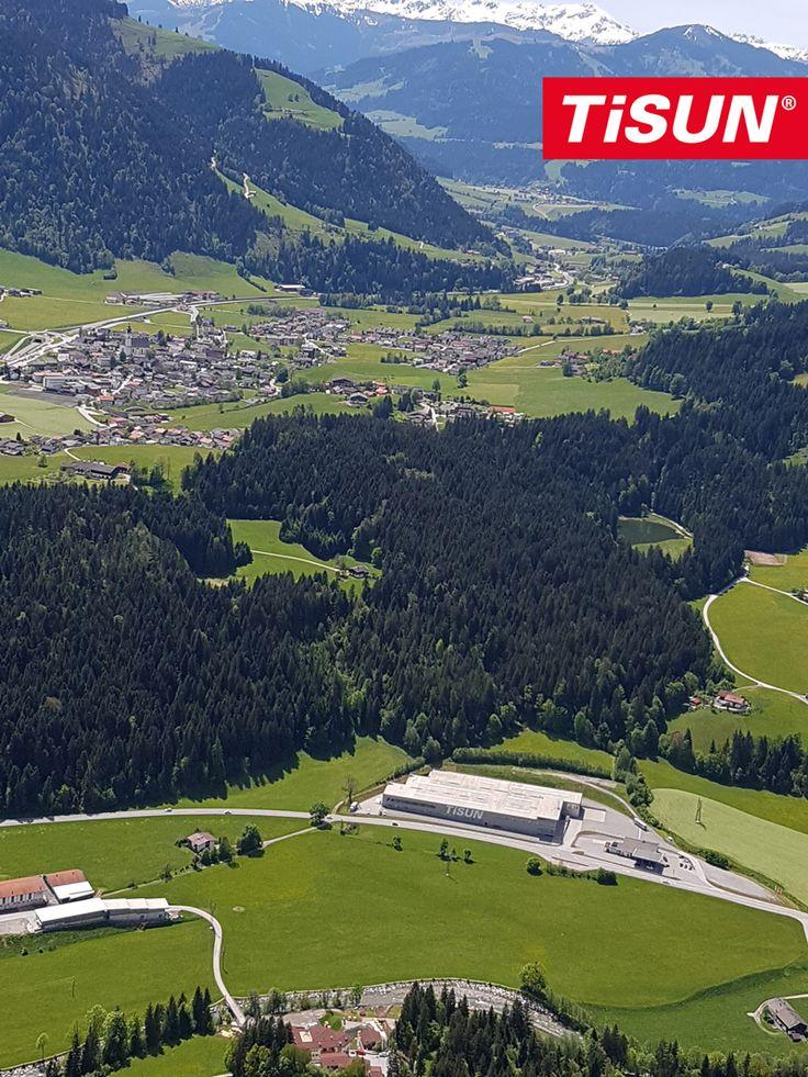 Zwei mutige TiSUN Mitarbeiter haben am Wochenende, sehr schöne Luftaufnahmen vom TiSUN Hauptquartier in Söll gemacht! /// This weekend, two brave TiSUN employees have made a beautiful areal photo of TiSUNs headquarter in Söll!
