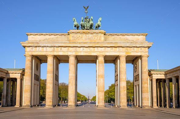 The Famous Brandenburg Gate In Berlin In 2020 Brandenburg Gate Brandenburg Ancient Architecture
