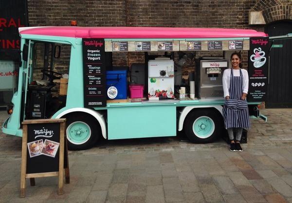 Moto yogo stan the milk float frozen yogurt london for Food truck bar