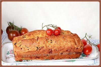 http://latabledamelie.blogspot.fr/2015/09/cake-au-jambon-fromage-frais-tomates.html