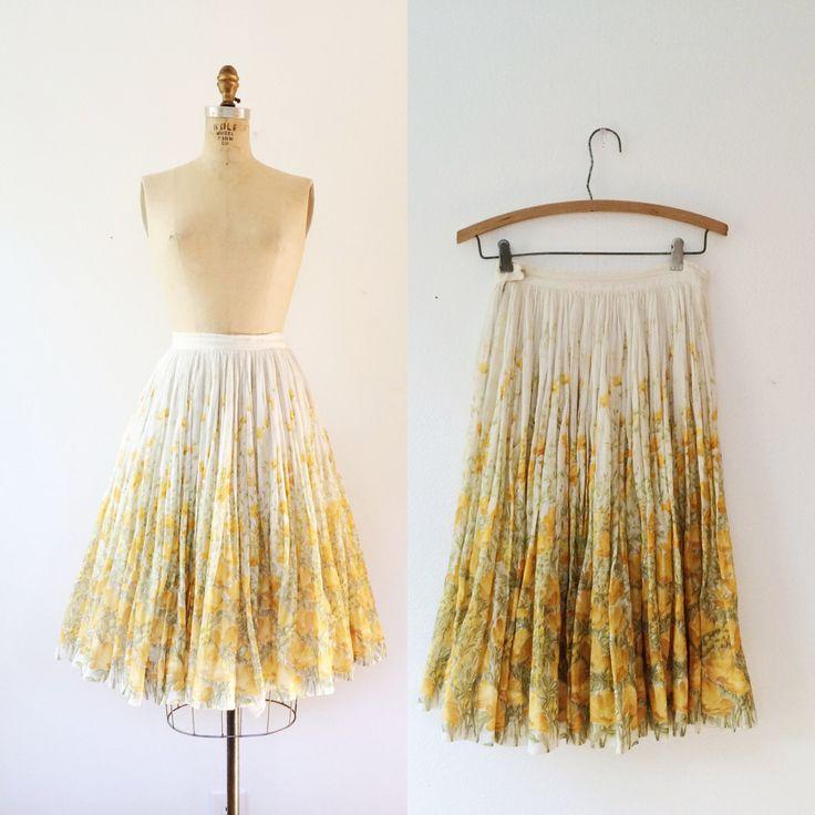 50s weefsel katoenen rok prachtige gouden gele bloemenprint met groene bladeren…