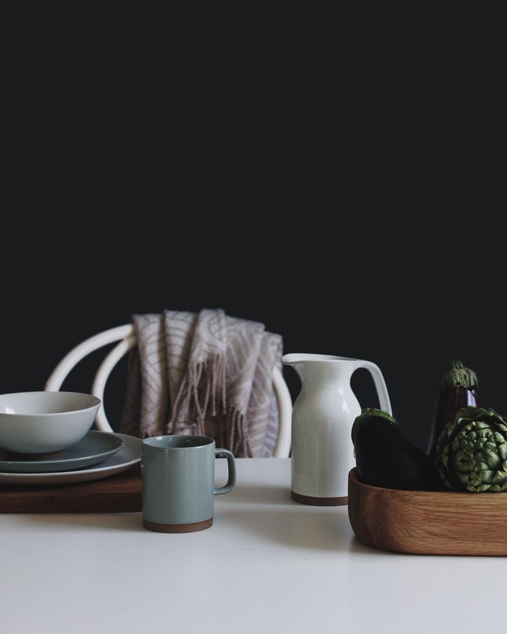 Layered table setting, featuring Barber and Osgerby's Olio collection by Royal Doulton