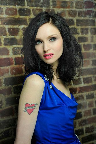 Sophie Ellis-Bextor (she is on the warmer side of this lean season and this looks a bit too cool for her; brightness level is good)