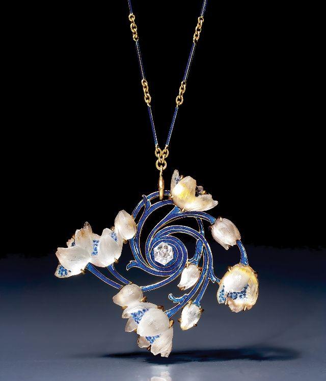 Art Nouveau Gold, diamond, Enamel and Glass 'Wood Anemone' Pendant by René Lalique, circa 1905 (Epoque Fine Jewels)
