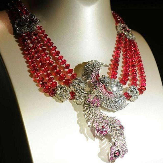 """vancleefarpels #necklace #jewelry #joaillerie #jewellery #hautejoaillerie #highjewellery…"""""""