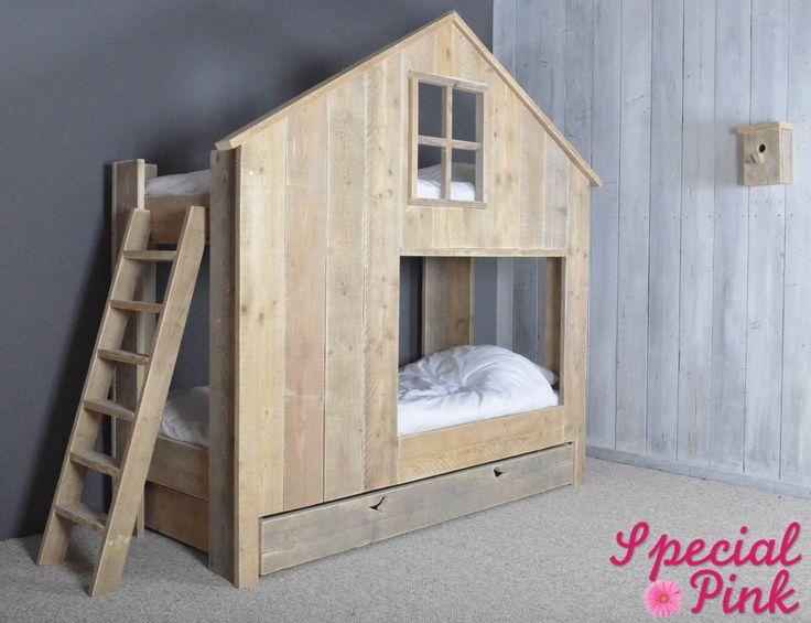Huisjesbed van steigerhout, goedkoop bij Special Pink!